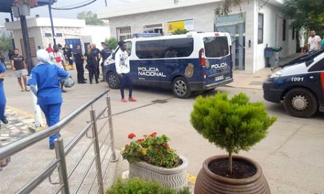 مليلية .. اعتقال طالبي لجوء مغاربة تمهيدا لترحيلهم الى المغرب (فيديو)