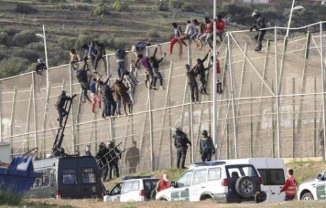 مقترح قانون لبناء جدار يفصل المغرب عن سبتة ومليلية