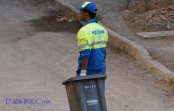 عمال النظافة .. جنود خفاء يسهرون على نظافة البيئة في عيد الأضحى